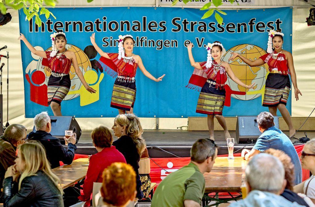 Folklore aus aller Welt gibt es beim Internationalen Straßenfest. Foto: factum/