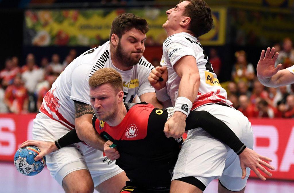 Die deutschen Handballer setzten sich gegen Österreich durch. Foto: dpa/Robert Michael