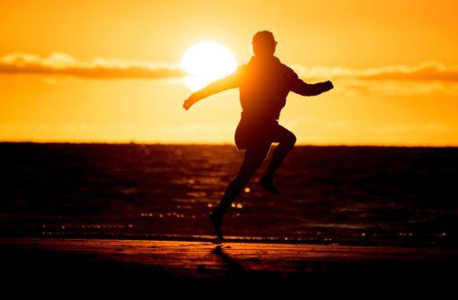 Zehn Tipps, wie man zum  glücklichen Pessimisten wird