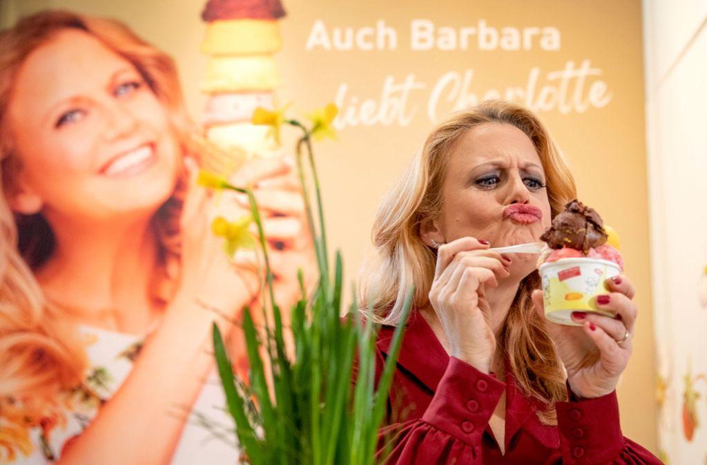 Mmmh, einfach lecker! Barabara Schöneberger genießt. Foto: Lichtgut/Schmidt
