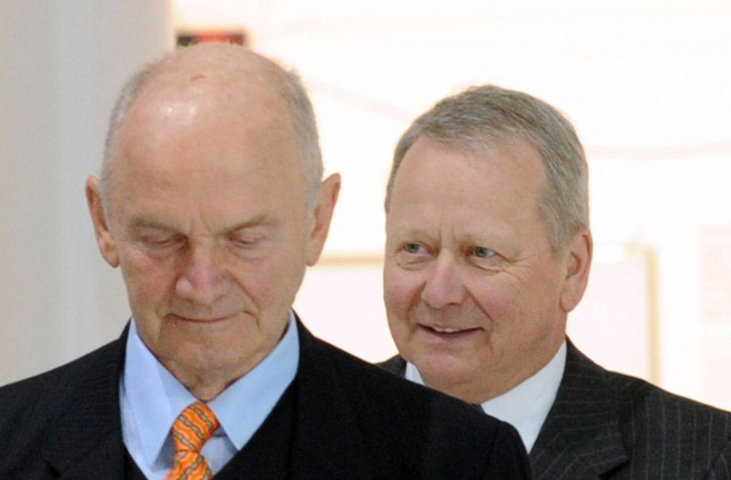 Die Erzfeinde Ferdinand Piëch (links) und Wolfgang Porsche, der Aufsichtsratsvorsitzende der Porsche SE, waren sich bei der Dividendenentscheidung offenbar mal einig. Foto: dpa