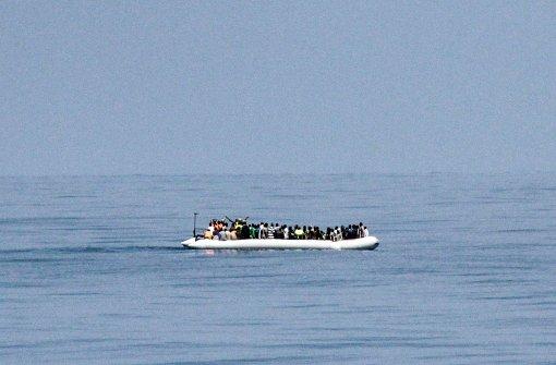 Schiff mit Hunderten Flüchtlingen gekentert