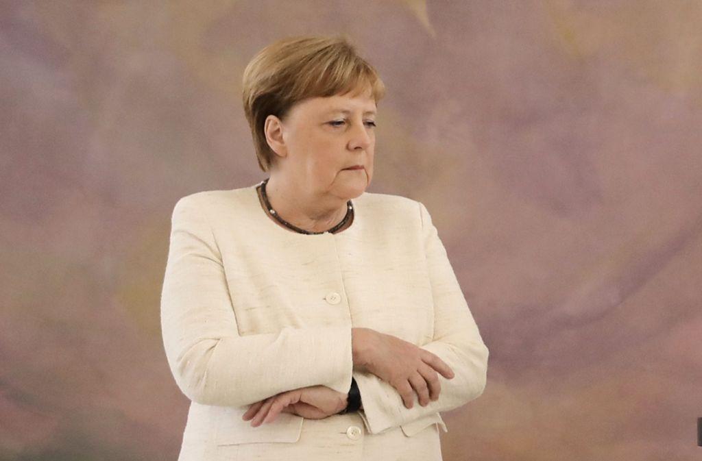 Mitte Juni hatte Angela Merkel ihren ersten Zitteranfall beim Empfang des ukrainischen Präsidenten Selenskyj. Foto: AFP