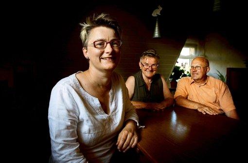 """""""Wir wollen gleiche Rechte für alle"""": Andrea Fuchs, ihre Mutter Traudl und ihr Vater Rudolf. Foto: Gottfried Stoppel"""
