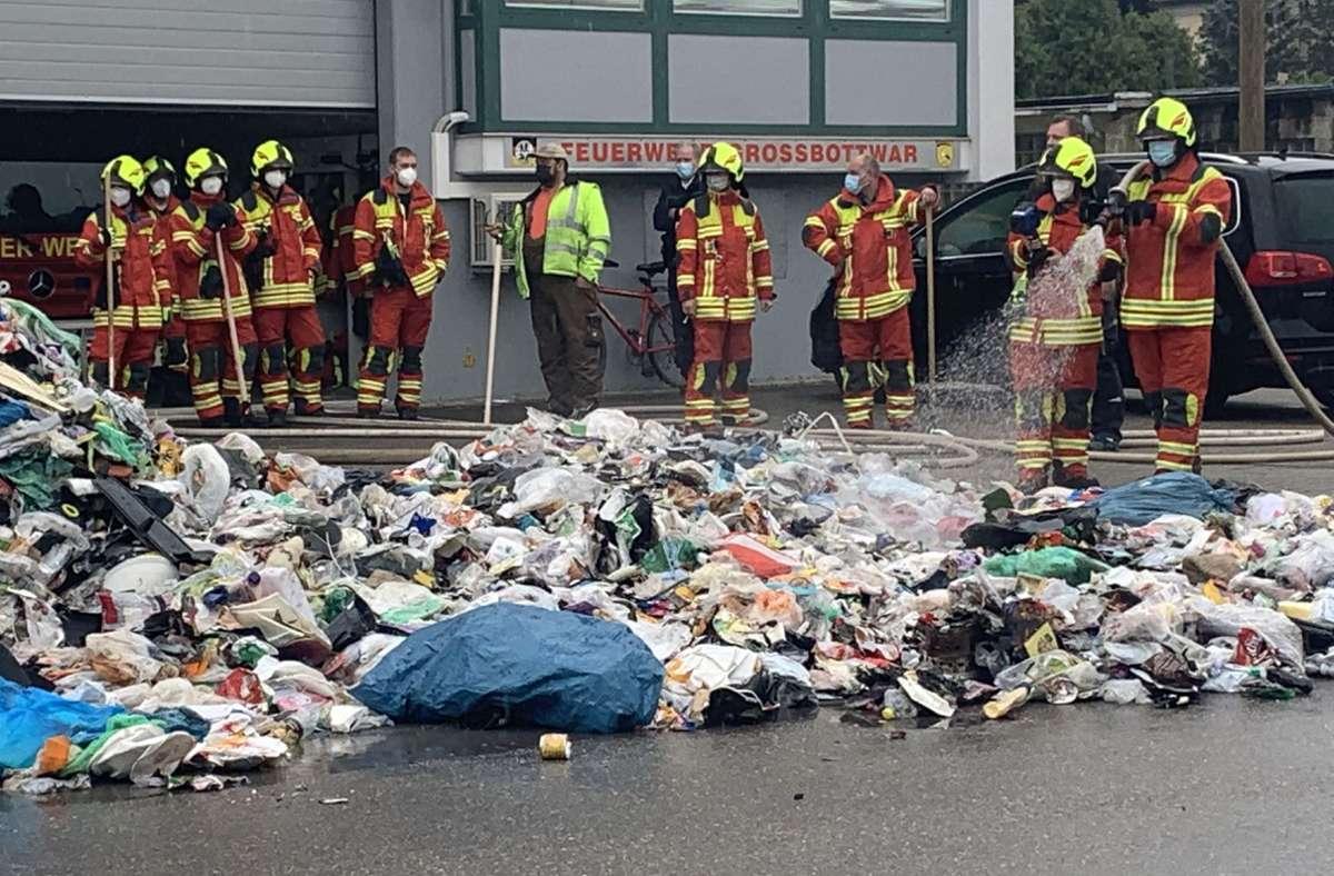 Die Feuerwehr hatte den Brand schnell unter Kontrolle gebracht. Foto: SDMG/Hemmann