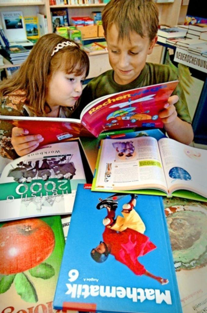 Wer soll zahlen? Bei manchen Büchern sind sich Eltern und Schulen darüber uneins. Foto: dpa