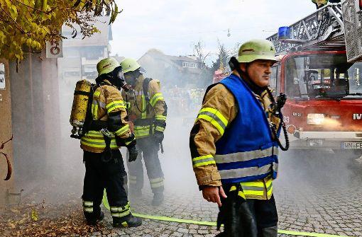 Übungs-Inferno auf einem Abriss-Gelände