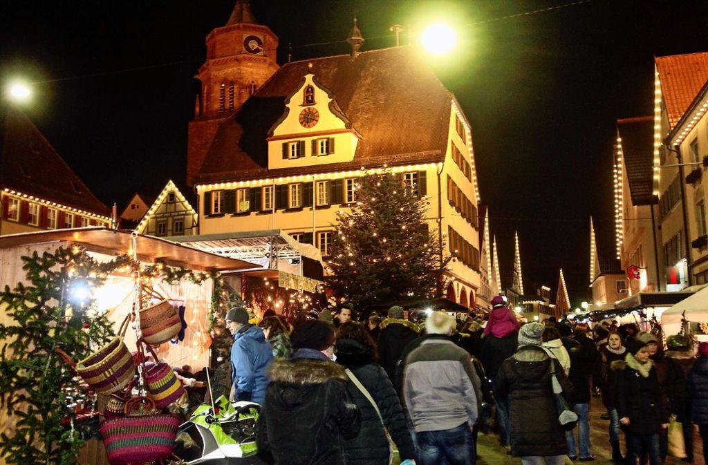 Der Kepler-Weihnachtsmarkt in der Weiler Altstadt findet am Wochenende vom 7. und 8. Dezember statt. Foto: factum//Jürgen Bach