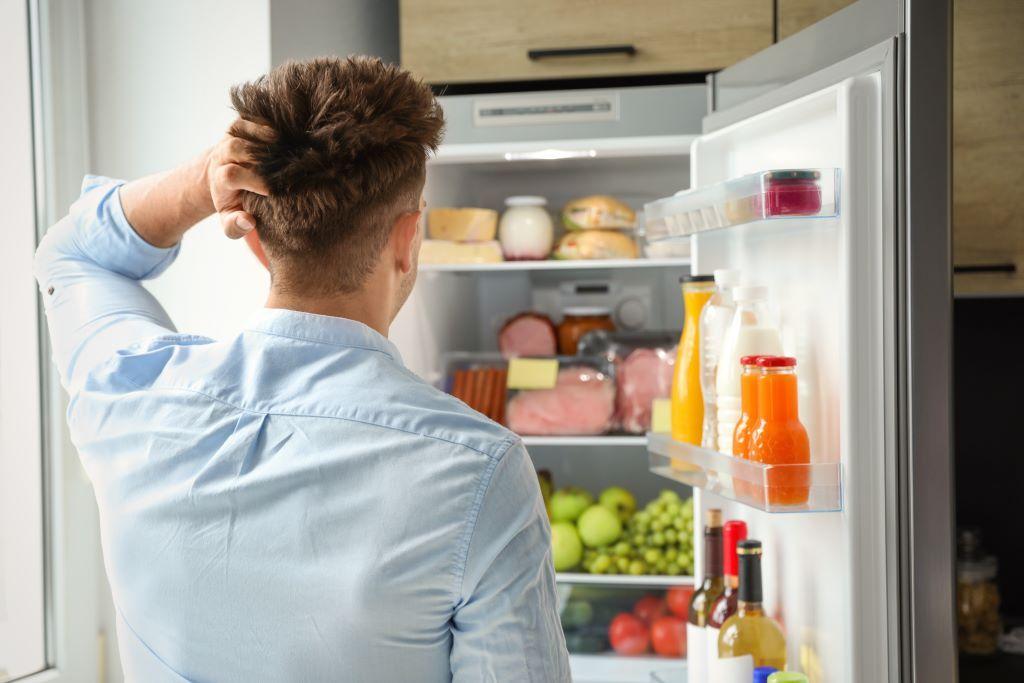 Kühlschrank richtig einräumen - So gehts Foto: New Africa/ Shutterstock.com