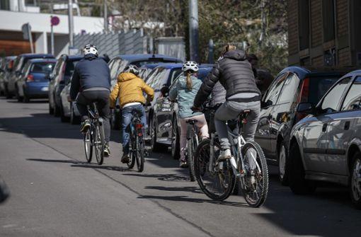 Große Gefahr für Radfahrer und Fußgänger