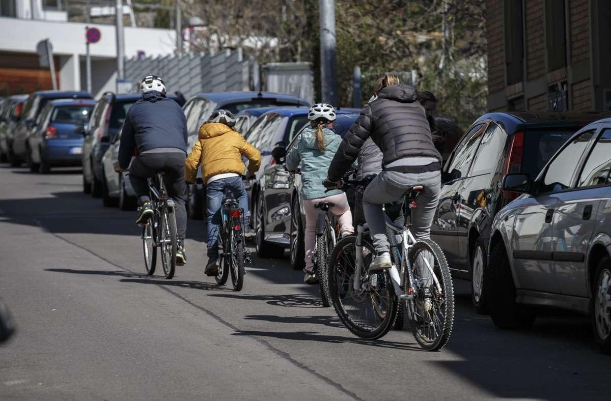 Bundesweit kamen 2019 jeden Tag zwei bis drei Radfahrer oder Fußgänger im Straßenverkehr ums Leben. (Symbolbild) Foto: Lichtgut/Julian Rettig