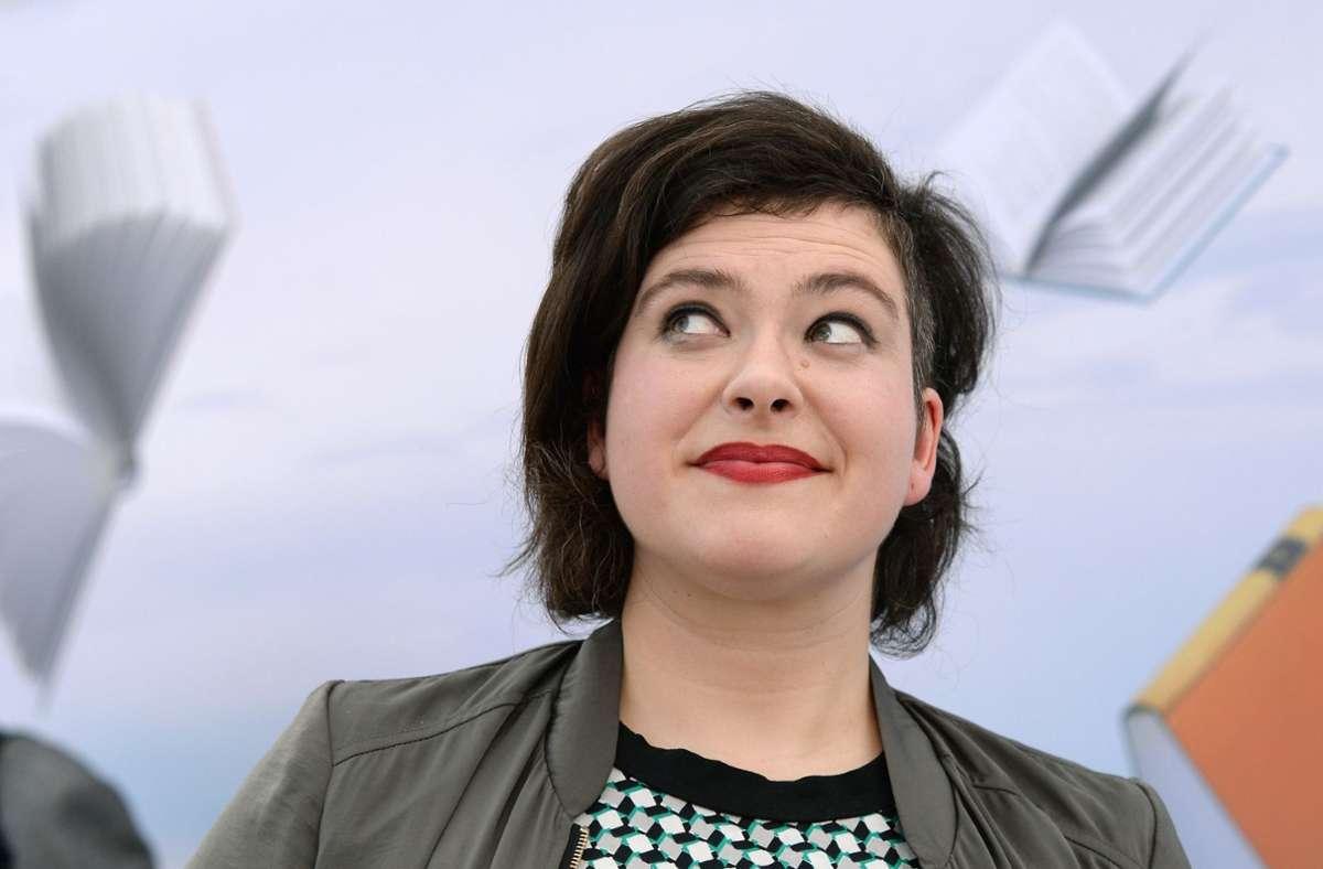 Die Schriftstellerin Nora Gomringer, aufgenommen 2016 während der Leipziger Buchmesse Foto: dpa/Jens Kalaene