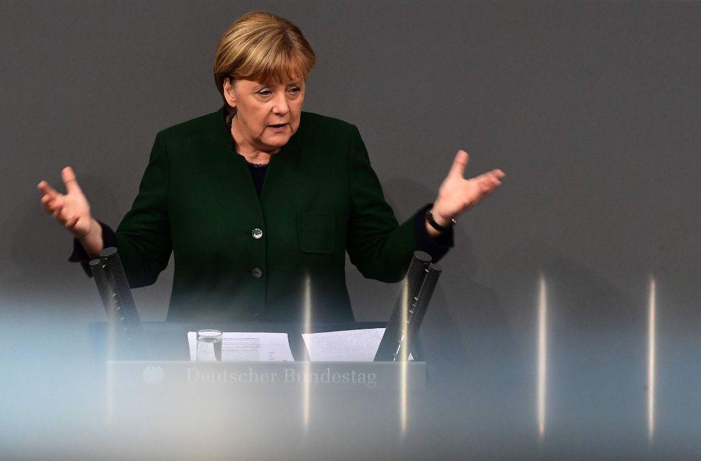 """""""Viele Menschen machen sich in diesen Tagen Sorgen um die Stabilität unserer so gewohnten Ordnung"""", sagte Kanzlerin Angela Merkel in ihrer Bundestagsrede. Foto: AFP"""