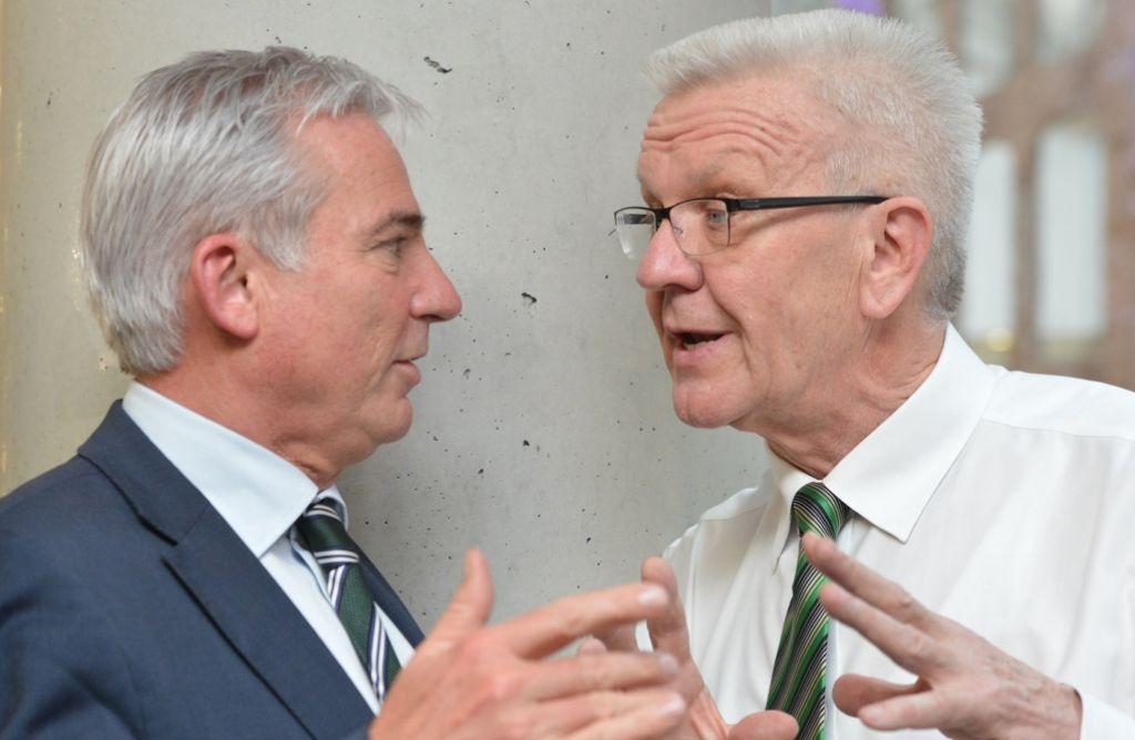 Seit vier Monaten Partner in der ersten grün-schwarzen Landesregierung: der Christdemokrat Thomas Strobl (li.) und der Grüne Winfried Kretschmann Foto: dpa