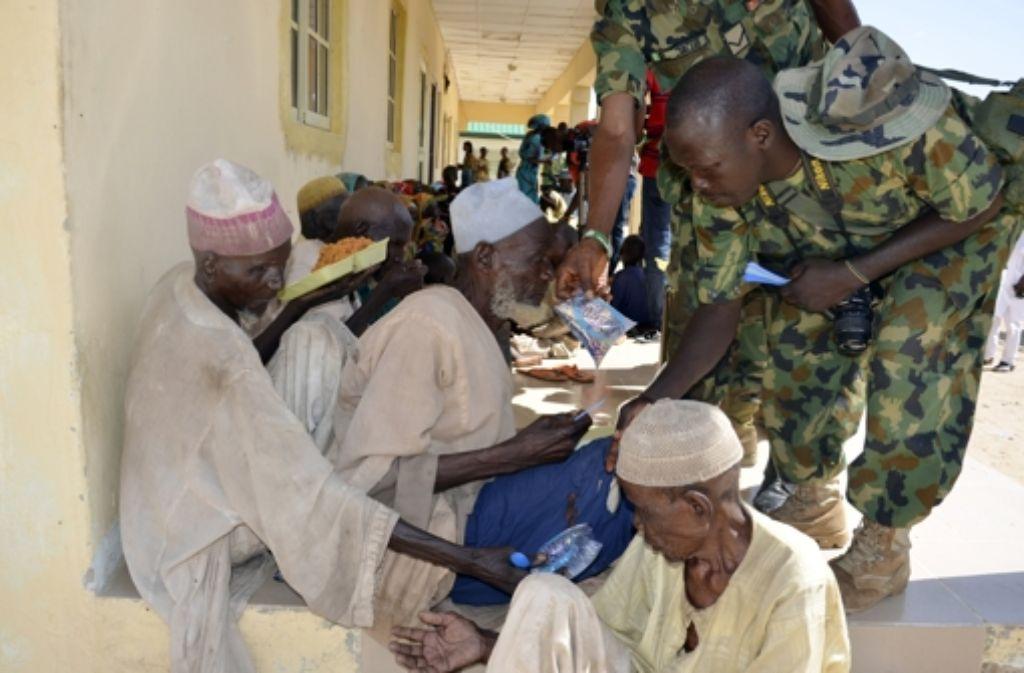 Im Juli konnten nigerianische Soldaten noch Dutzende Menschen vor der Terrormiliz Boko Haram im Nordosten des Landes in Sicherheit bringen. Foto: AP
