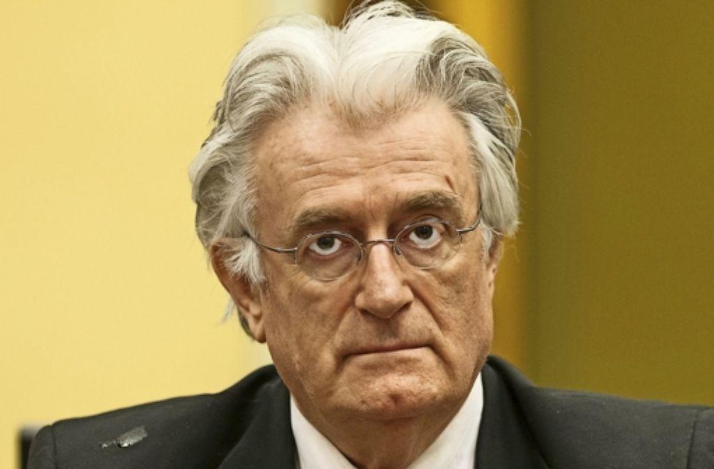 Der ehemalige Serbenführer Radovan Karadzic erwartet   sein Urteil. Es soll am Donnerstag fallen. Foto: AFP, AP