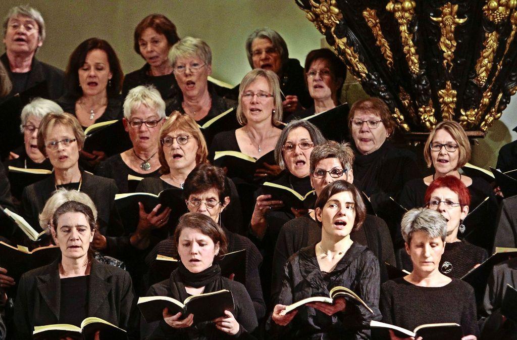 Für die Sänger gibt's viel Applaus für ihre Leistung. Foto: factum/Bach