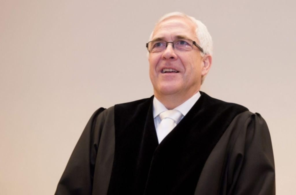 Der Vorsitzende Richter Frank Rosenow wird noch diesen Monat sein Urteil im Wulff-Proezss sprechen. Foto: DPA