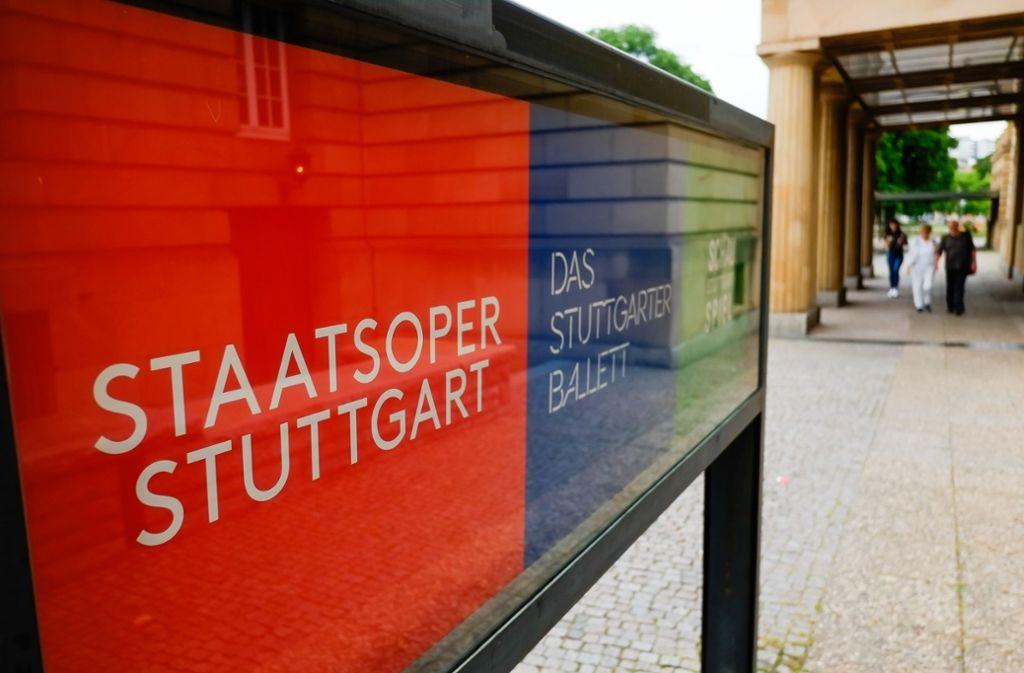 Schön bunt: die Infokästen am Opernhaus in Stuttgart Foto: Lichtgut/Max Kovalenko