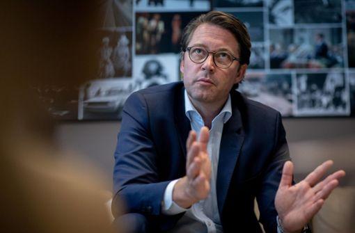 Bundesverkehrsminister Scheuer fordert Konzerne zu mehr Tempo auf