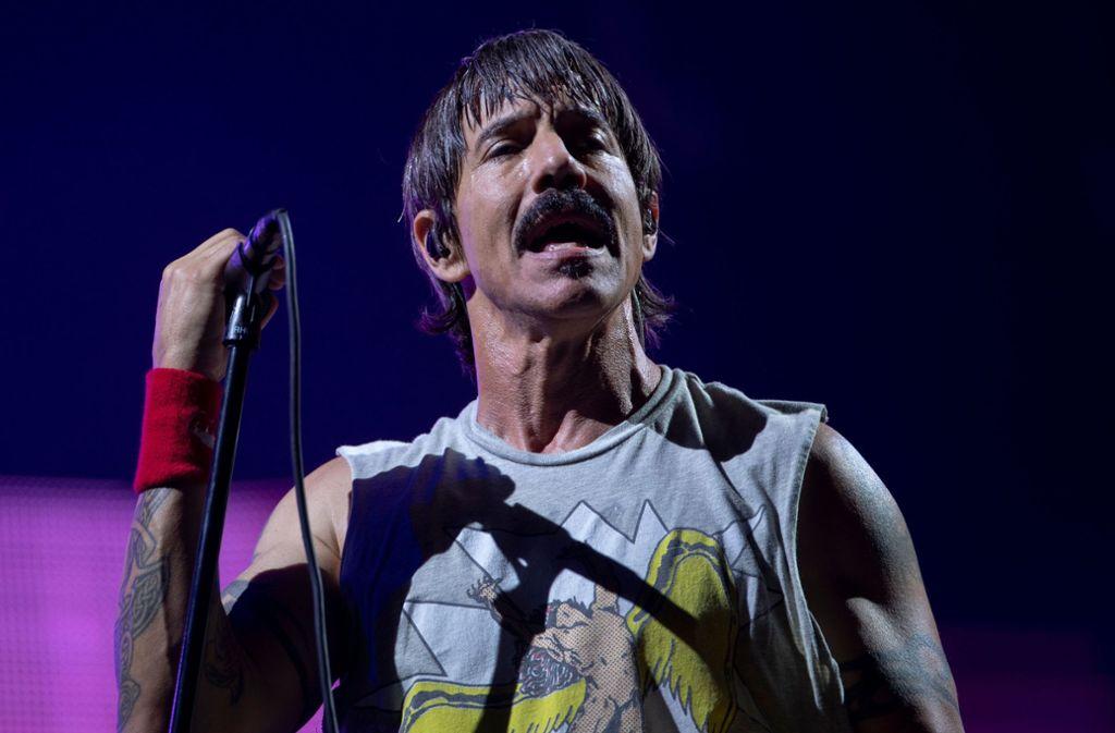 """Zuletzt trat die Rock-Band Red Hot Chili Peppers bei """"Rock in Rio"""" auf. Mit dabei am Mikrofon: Leadsänger Anthony Kiedis. Foto: AFP/MAURO PIMENTEL"""