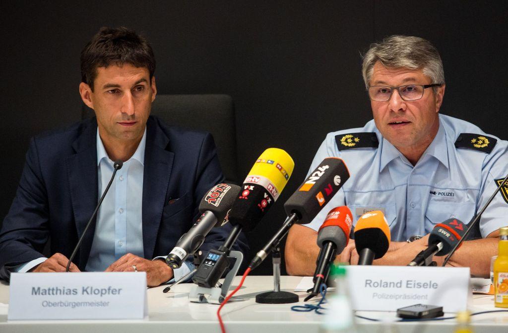 Aalens Polizeipräsident Roland Eisele (rechts) und der Schorndorfer Oberbürgermeister Matthias Klopfer. Foto: dpa