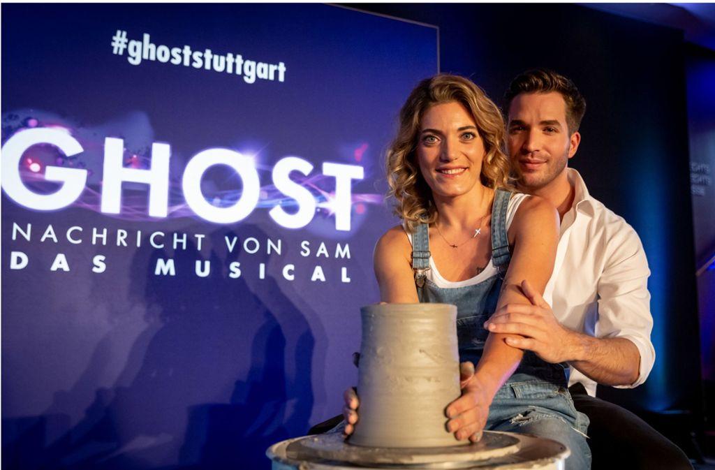 """Roberta Valentini und Riccardo Greco spielen die Hauptrollen in """"Ghost"""". Foto: Lichtgut/Julian Rettig"""