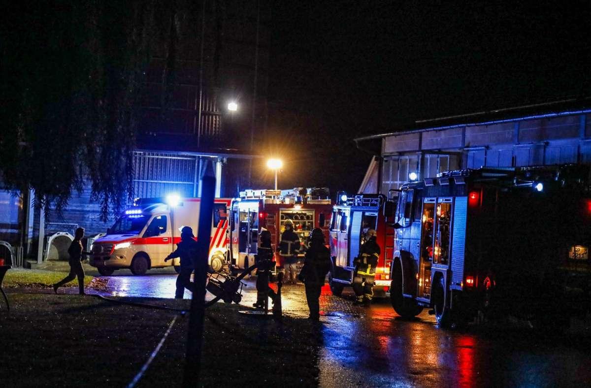 Die Feuerwehr rückte in der Nacht auf Samstag nach Schlat aus. Foto: 7aktuell.de/Christina Zambito