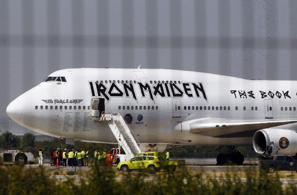 Ihr eigenes Flugzeug wird 2020 auch in Stuttgart landen: Iron Maiden Foto: dpa/Marcelo Hernandez