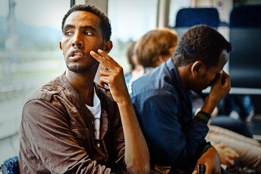 Europäer  und Afrikaner liegen  im Clinch