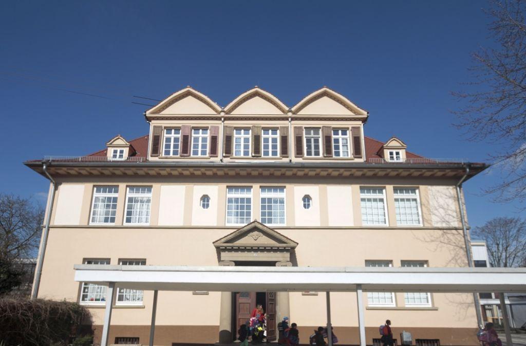 Gemäß den aktuellen Plänen des Gemeinderats soll die Flattichschule im Ortsteil Beihingen abgerissen werden. Foto: factum/Granville