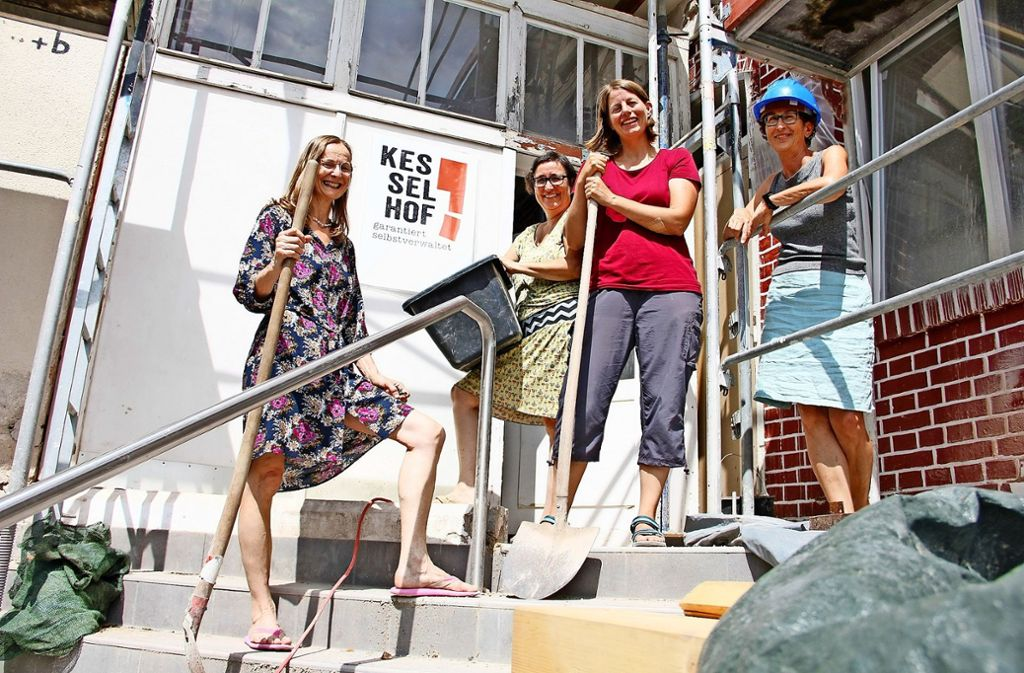 Vom Wohnprojekt überzeugt sind Olga Schmid (von link), Karin Eizenhöfer, Ines Eixelsberger und Dagmar Häfele. Foto: Marta Popowska