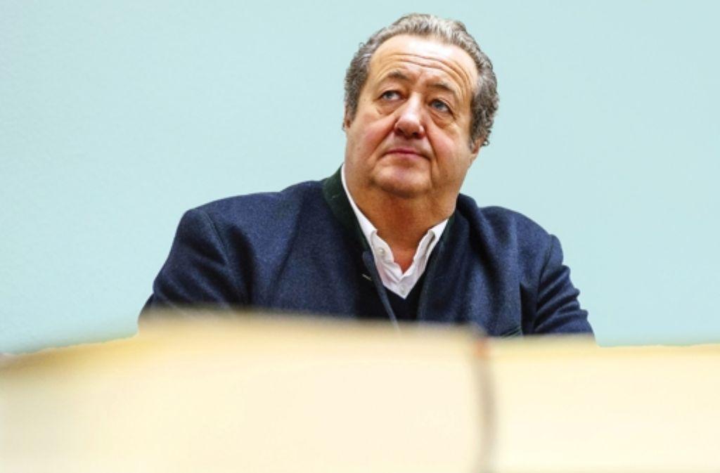 Manfred Schmider erneut vor Gericht – hier am 14. Januar im Auftakt zum Prozess wegen Bankrott-Vergehen vor dem Mannheimer Landgericht. Foto: dpa