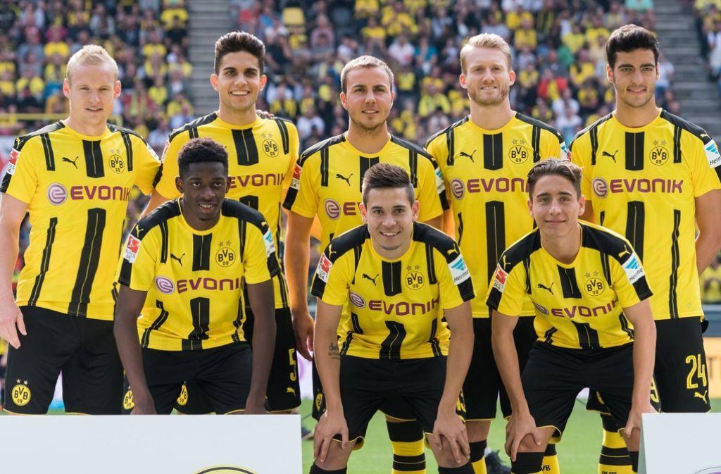 Dortmunds Neue: Rode, Bartra, Götze, Schürrle, Merino (o./v.li.), Dembelé, Guerreiro, Mor (u./v.li.) Foto: dpa