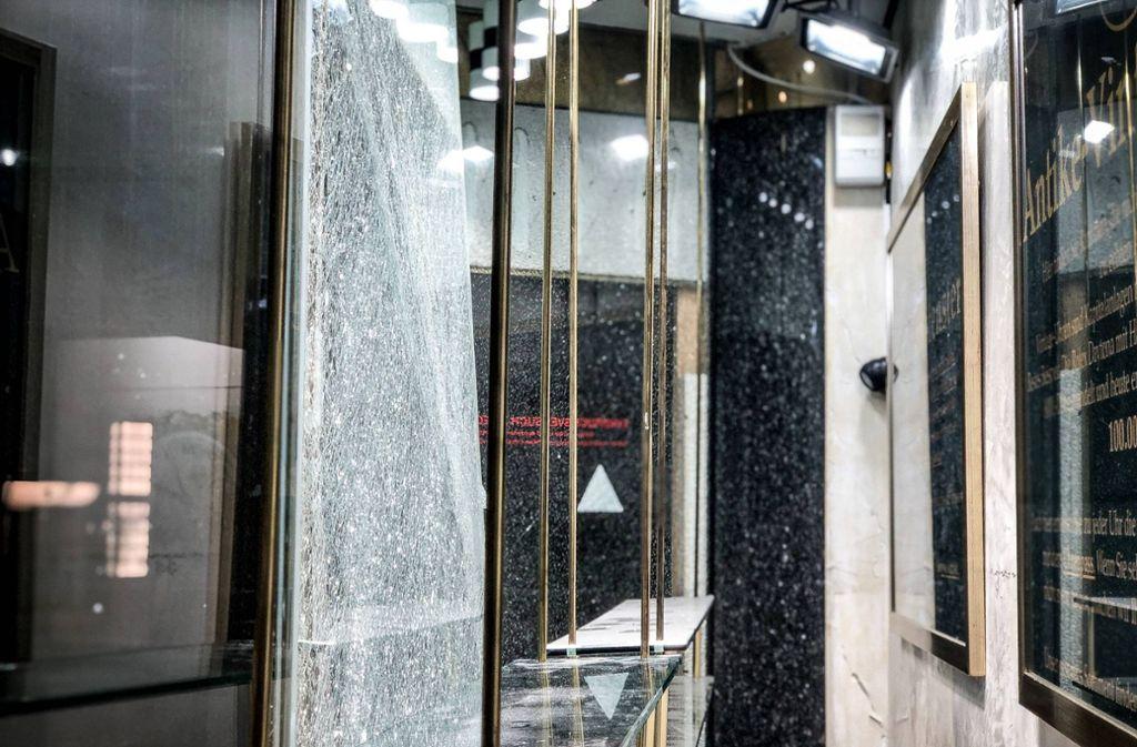 Großer Alarm in der Stuttgarter Innenstadt: Ein Juwelier ist Ziel von Blitzeinbrechern gewesen. Foto: /7aktuell.de/Gruber
