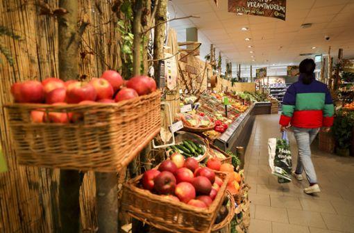 Mann spuckt auf Lebensmittel in Supermarkt - Polizei ermittelt