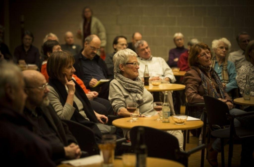 Das Pressecafé findet regelmäßig im Treffpunkt Rotebühlplatz statt. Foto: Lichtgut/Leif Piechowski