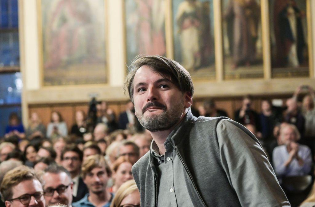 Sasa Stanisic bei der Verleihung des Deutschen Buchpreises im Frankfurter Römer. Foto: dpa/Andreas Arnold