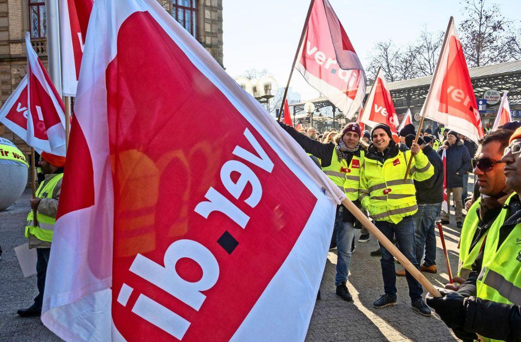 Die Busfahrer sind wegen ihrer Streiks in den vergangenen Tagen ausreichend verflucht worden. Am Montag folgt die dritte Verhandlungsrunde. Foto: factum/Weise