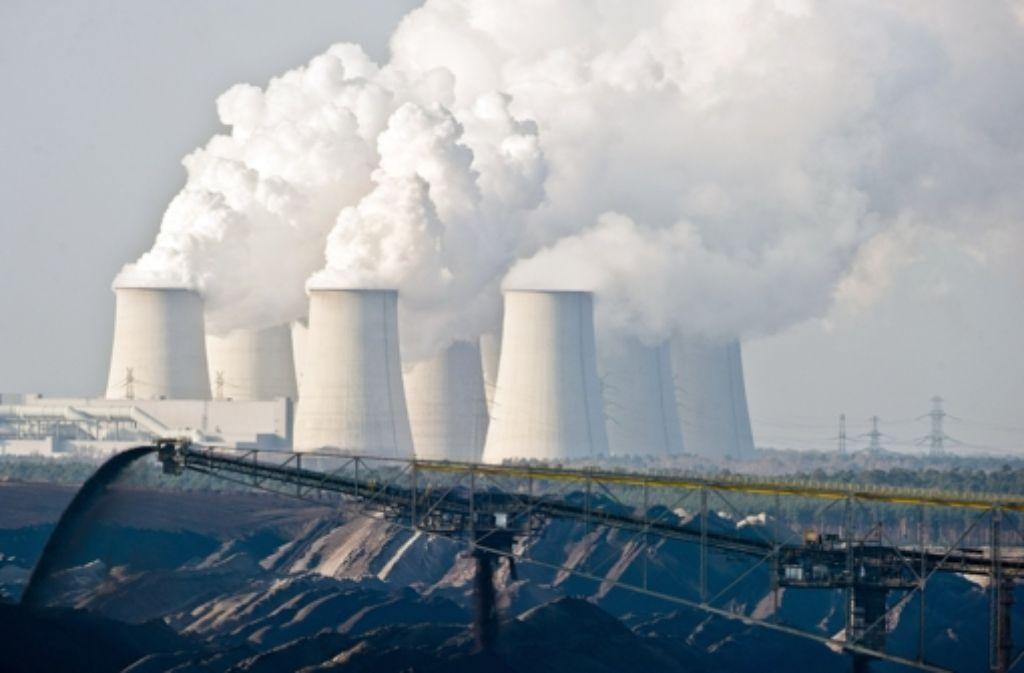 Umstieg in erneuerbare Energien? In Deutschland hat gerade wieder die Braunkohle Konjunktur – hier der Tagebau nahe dem brandenburgischen Jänschwalde. Foto: dpa