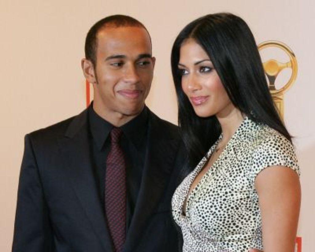 Formel-1-Weltmeister Lewis Hamilton denkt nicht an eine baldige Hochzeit mit seiner Freundin Nicole Scherzinger. Foto: dpa