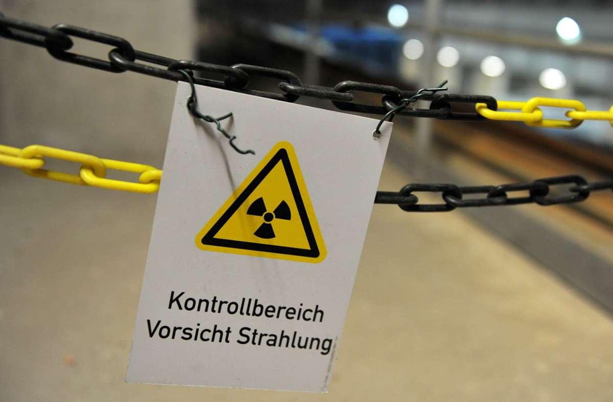 Nach dem Zwischenbericht über mögliche Endlager-Standorte weisen 90 Gebiete entsprechende Voraussetzungen auf. Foto: dpa/Jochen Lübke