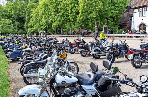 Ein Gottesdienst zwischen Motorrädern
