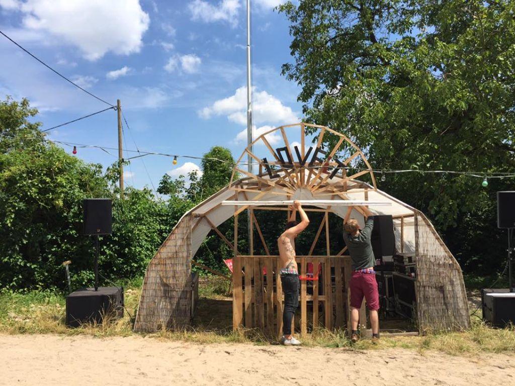Die LOVEiT-Open-Airs, die zuletzt am Waldheim Wangen stattfanden, mussten wegen Lärmbeschwerden die Zelte abbrechen. Foto: LOVEiT