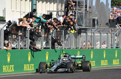 Hamilton siegt nach furioser Aufholjagd – Vettel noch Dritter