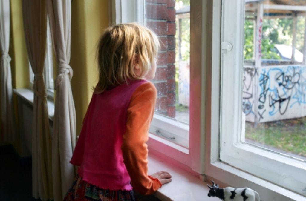 Vor allem Alleinerziehende mit Kindern kommen kaum über die Runden. Foto: dpa