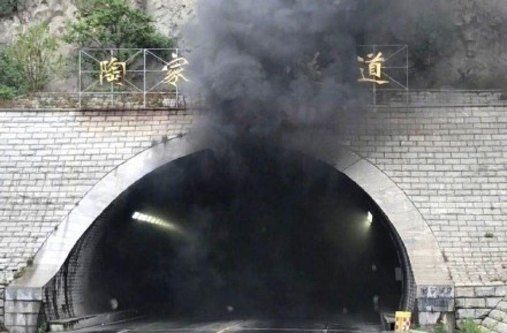 Bei einem Busunglück am Dienstagmorgen in China sind zehn Kinder getötet worden. Foto: YNA