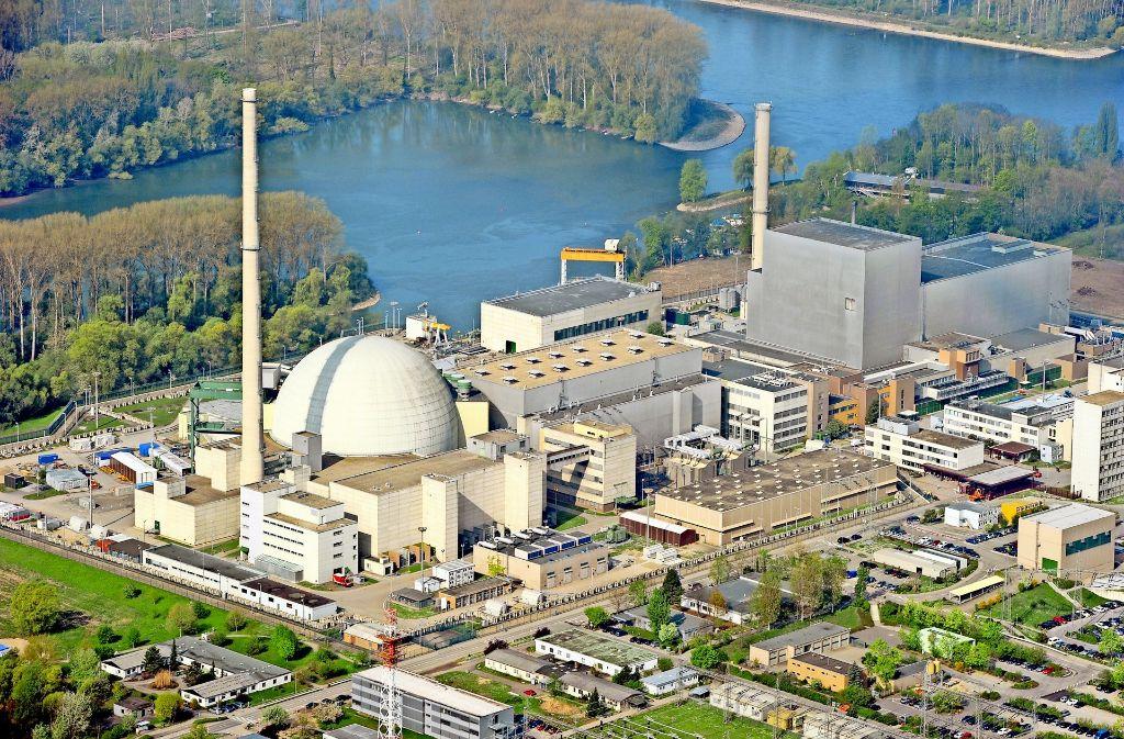 Wegen  der exponierten Lage besonders gefährdet durch Angriffe aus der Luft:   das Kernkraftwerk Philippsburg Foto: dpa