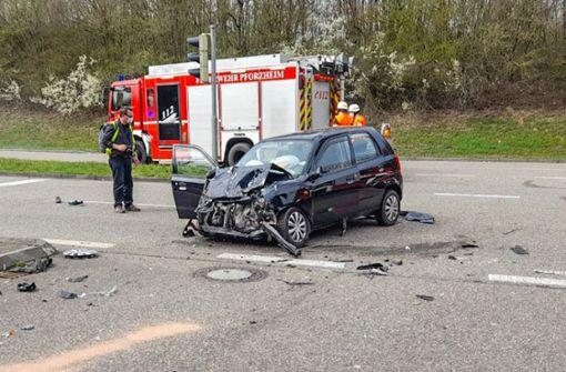 Feuerwehrauto kollidiert mit Fahrzeug - eine Tote