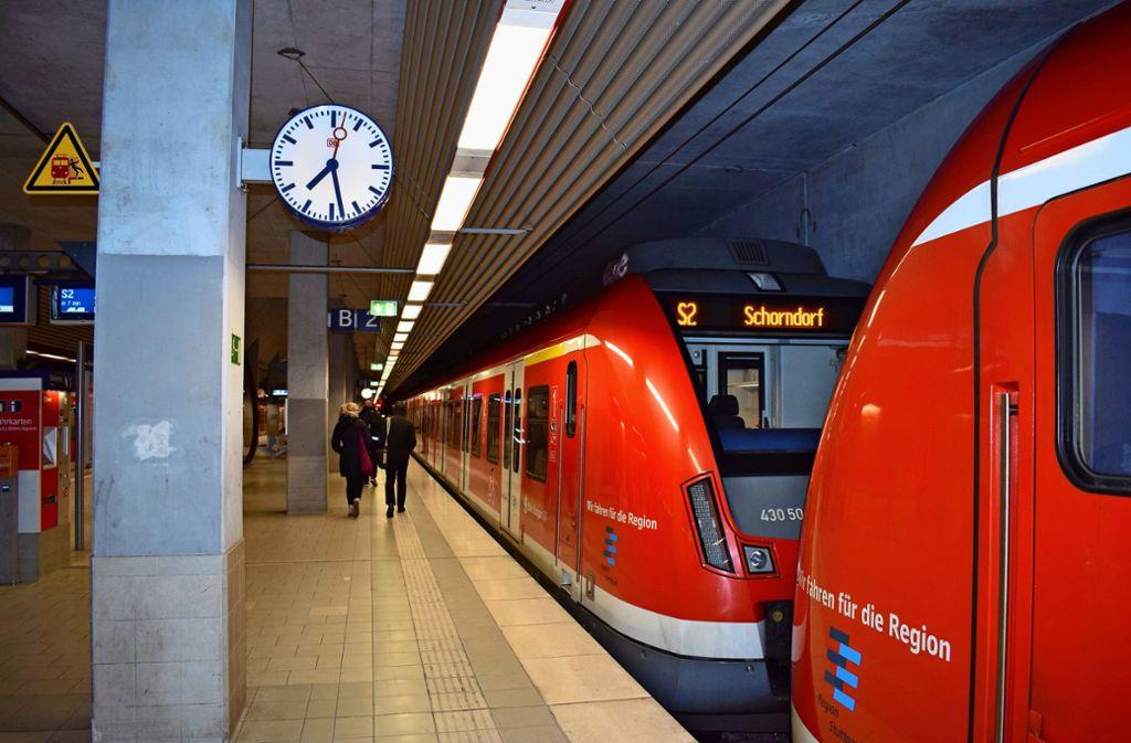 Bahnhof Bernhausen: Erklärtes Ziel ist es, dass hier der Anschluss nach Neuhausen dann gebaut wird, wenn die Strecke zum Flughafen gesperrt ist Foto: Patrick Steinle